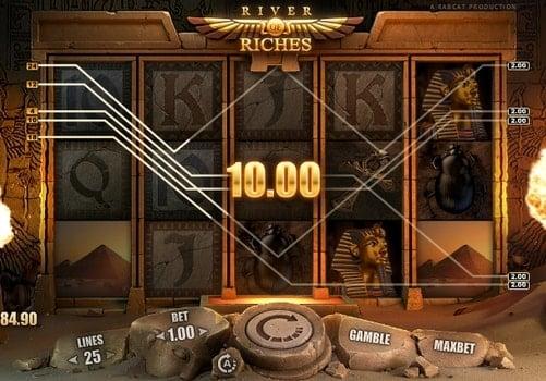 Выигрышная комбинация символов в автомате River of Riches